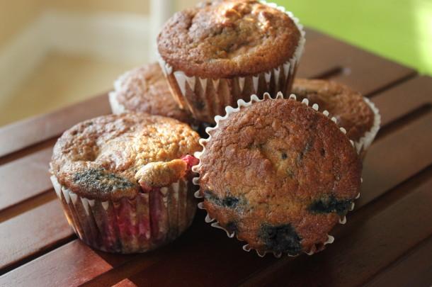gluten-free-berry-muffins